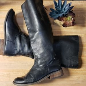 Dolce Vita pebbled leather boots zip back size 7